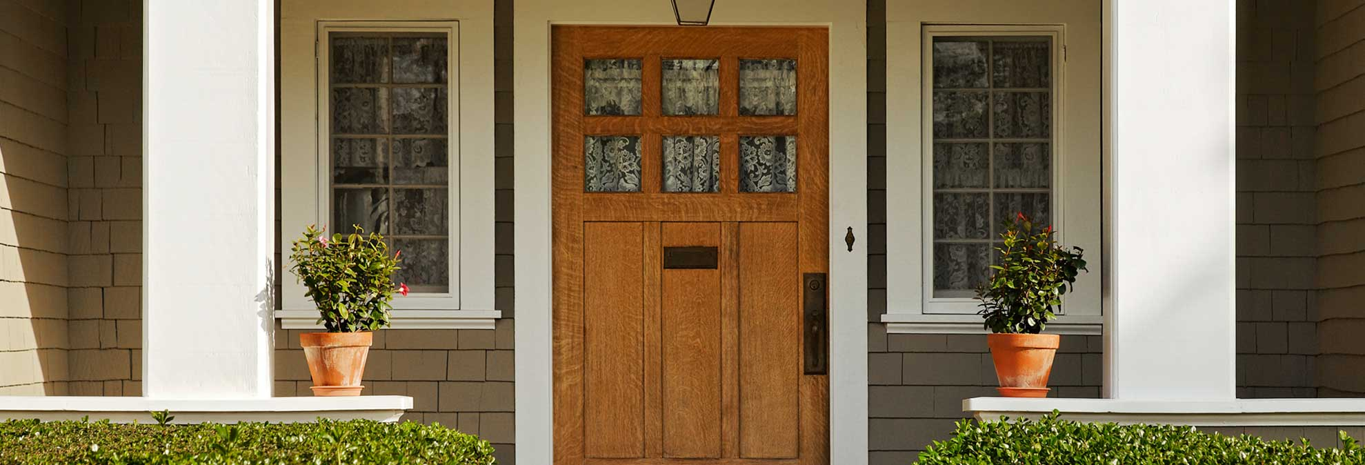 What type of entrance door is the best rubansaba