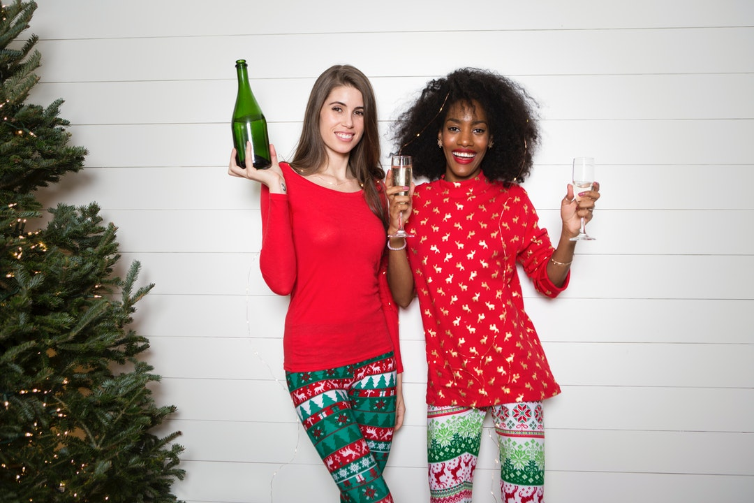 722de17fc79d31 Starbucks has released its token holiday cups which means Christmas season  is in full swing. Soon you'll get invites to tons of holiday parties that  you'll ...