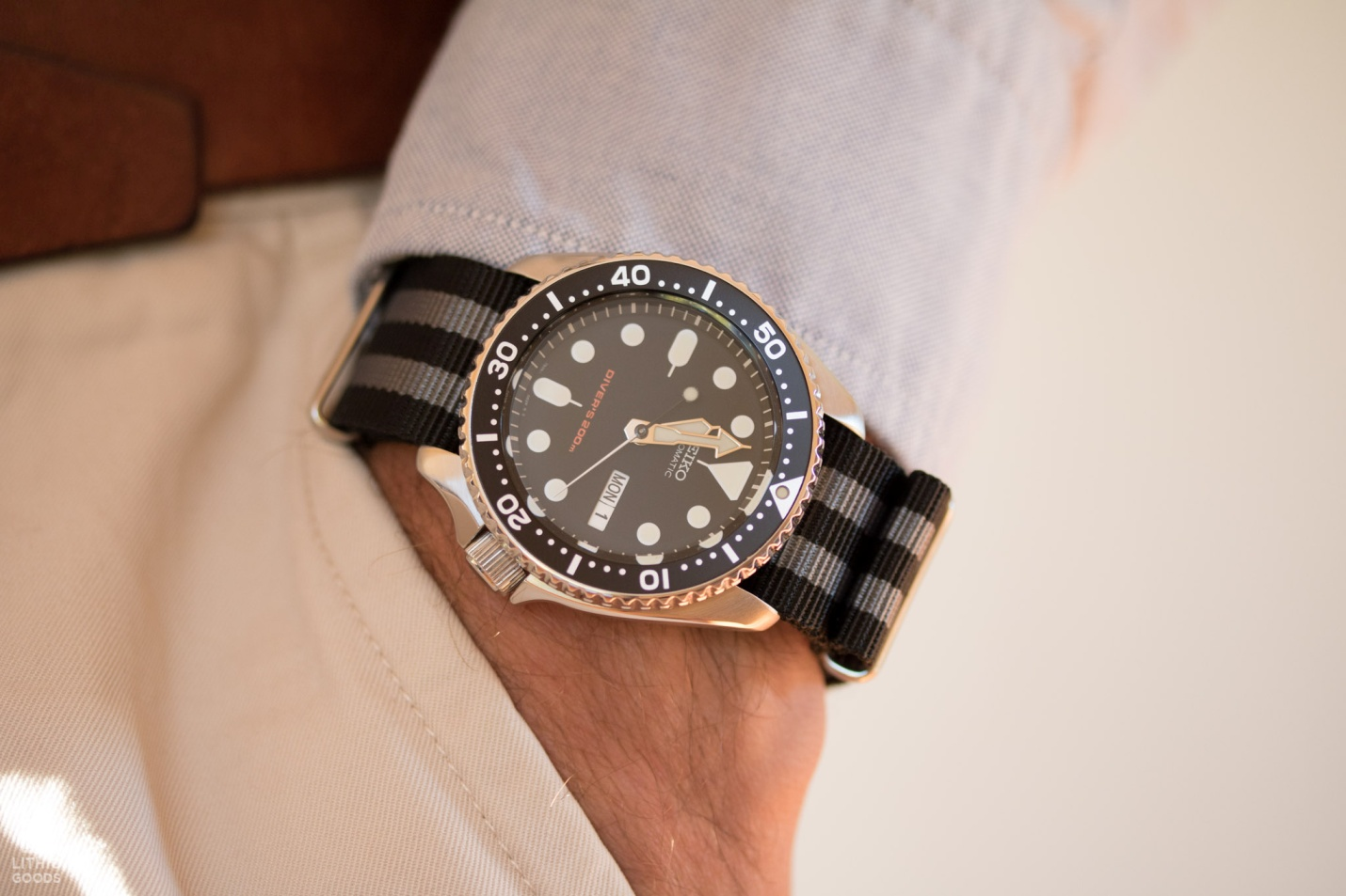 Seiko-SKX007-grey-black-stripe-nato-by-lithic-goods-16.jpg