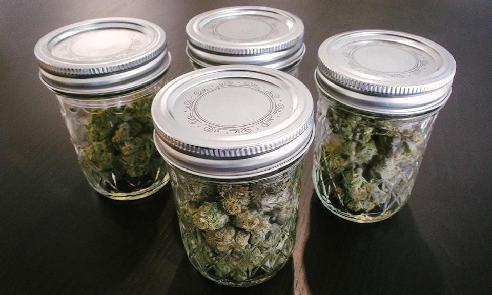 C:\Users\Lenovo\Downloads\Marijuana-Packaging_9.jpg